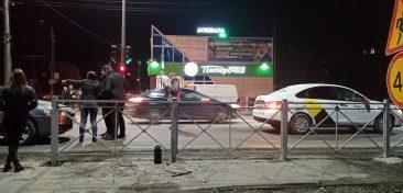 В Брянске на «Мечте» попал в аварию автомобиль «Яндекс.Такси»