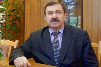 Кресло главы Жирятинского района сохранил Леонид Антюхов