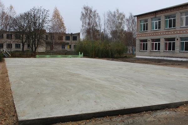 В стародубском поселке строят спортплощадку за 3 млн рублей
