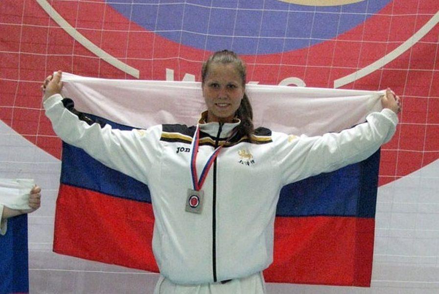 Брянская каратистка Ларюхина стала чемпионкой Европы