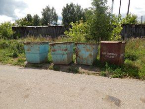 В Суземке администрацию заставили обустроить контейнерную площадку