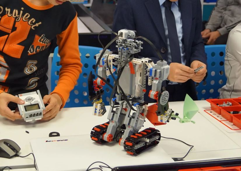 В Брянском технопарке «Кванториум» начались детские занятия