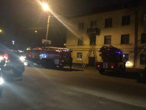В Брянске из горящего дома спасли 15 человек, есть пострадавший