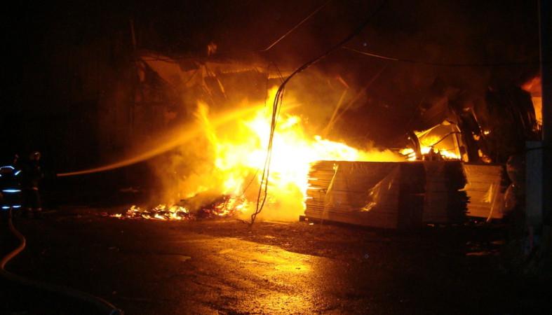 В Брянской области сгорела пилорама