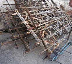 Суземский пенсионер украл две ограды на кладбище
