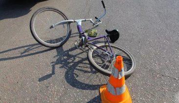 В Карачевском районе автоледи разбила голову пенсионеру-велосипедисту