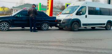 В Брянске возле «Аэропарка» маршрутка №38 попала в ДТП