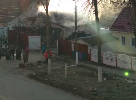В Брянске при пожаре в автосервисе никто не пострадал