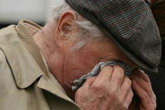 В Клинцах «соцработница» обокрала 90-летнего старика