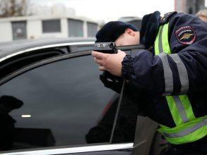 В Брянске за сутки наказали 33 водителя за тонировку