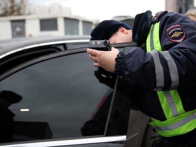 В Брянске за сутки оштрафовали 65 любителей чрезмерной тонировки