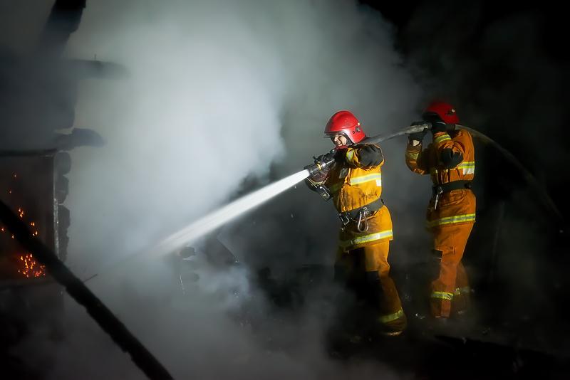 В Трубчевском районе сгорел нежилой дом