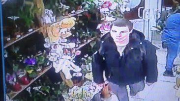 В Брянске сняли на видео кражу мягкой игрушки