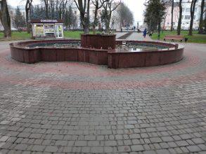 В Брянске на зиму отключили фонтан в Круглом сквере