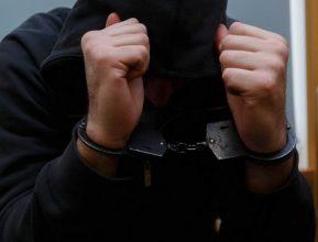 Брянские полицейские задержали подозреваемого в трех разбойных нападениях и грабеже