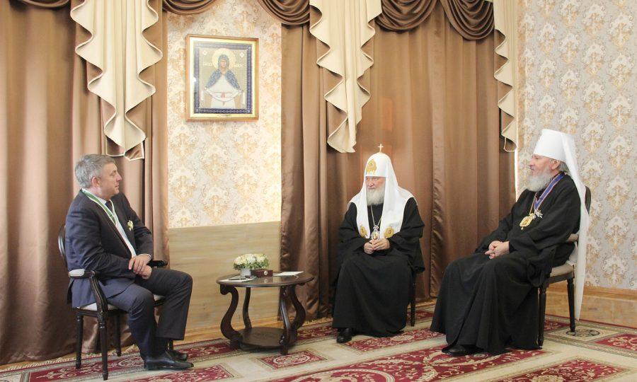 Патриарх Кирилл поблагодарил брянского губернатора за совместную работу