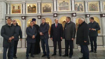 Брянский губернатор посетил строящийся кафедральный собор в Клинцах