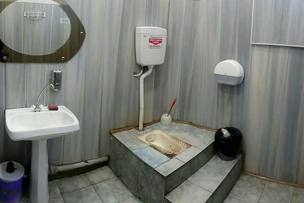 Туалет с тайной комнатой в ЦУМе шокировал жителя Брянска