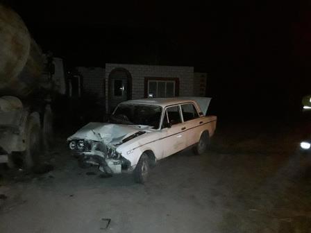 В Брянске пьяный водитель ВАЗ протаранил бетономешалку