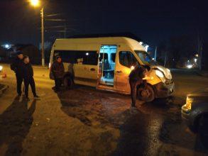 В Брянске в ДТП пострадали три пассажира маршрутки №59