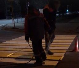 В Брянске дорожную разметку стали наносить по ночам