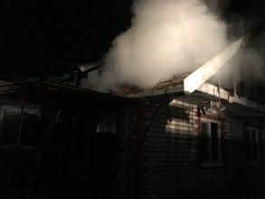 Под Стародубом сгорел двухквартирный дом