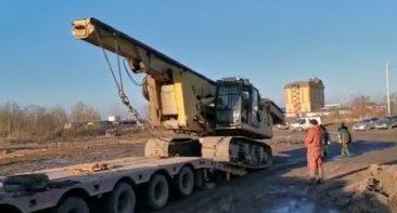 В Брянск для строительства Литейного моста доставили буровую установку из Крыма