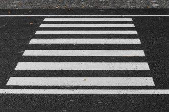 На брянской трассе пешеход-нарушитель попала под колеса «Газели»