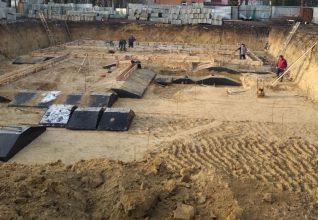 В Стародубе укрепляют фундамент будущей поликлиники