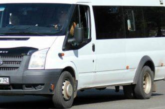 В Брянске пассажиры оказались заложниками в маршрутке №240