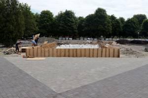 В Брянске новый фонтан в Пролетарском сквере готов на одну треть