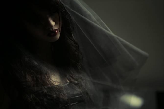 На Брянщине «черная» невеста делает проклятье на бывших мужей