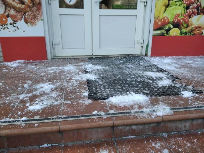 В Брянске посетителей магазина поджидает смертельная опасность