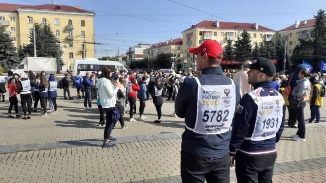 В Брянске стартовал всероссийский забег «Кросс нации»