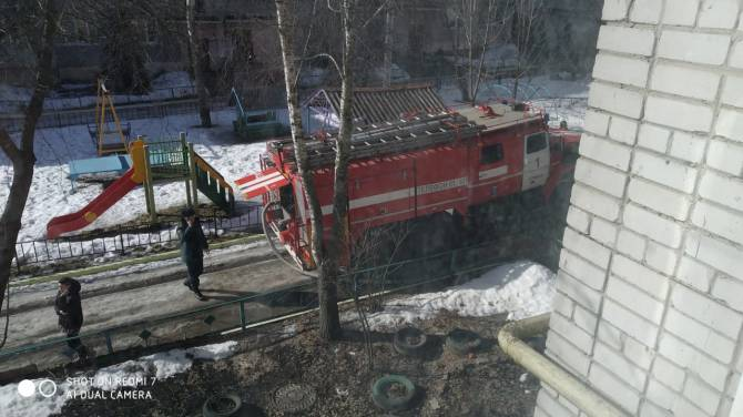В Брянске на проспекте Ленина произошел пожар в многоэтажке