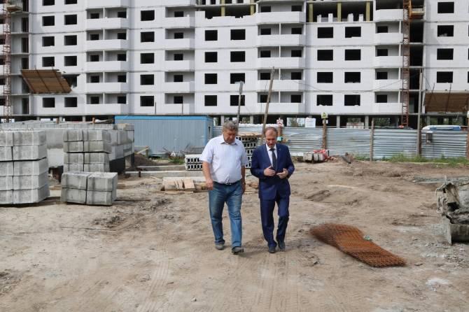 В Брянске ведется строительство четырех детских садов