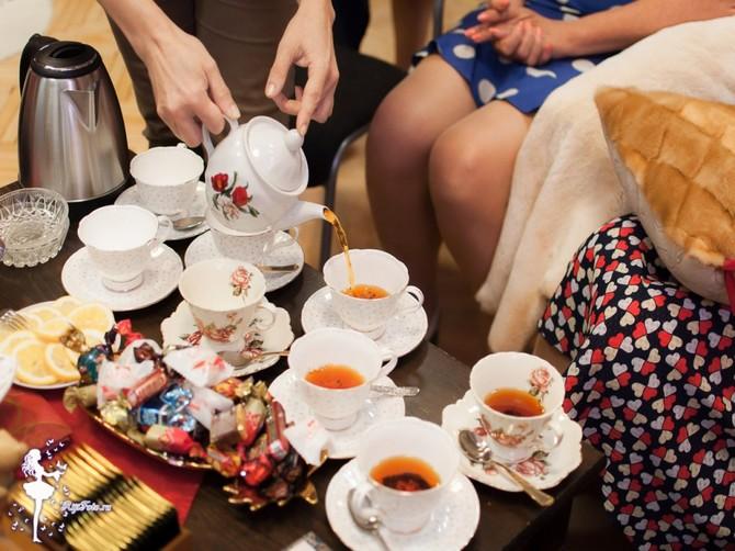 Брянцев пригласили на посиделки с чаепитием