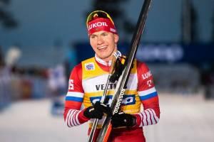 Брянский лыжник Большунов победил в скиатлоне на чемпионате России