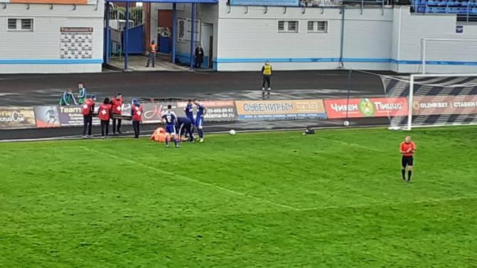 В Брянске вратарь «Оренбурга» получил травму и покинул поле