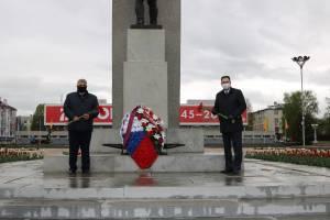В Брянске почтили память погибших на войне героев