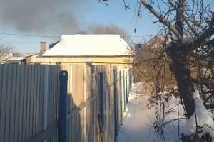 В Брянске сняли на видео пожар в частном доме