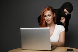Жительница Брянска «одолжила» в соцсети мошенникам 140 тысяч рублей