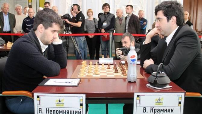 Брянский шахматист Ян Непомнящий сыграет в турнире в поддержку медиков