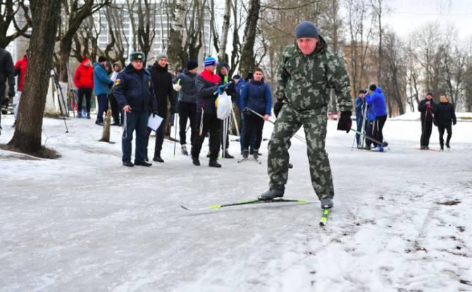 В Брянске определили лучших лыжников среди спасателей