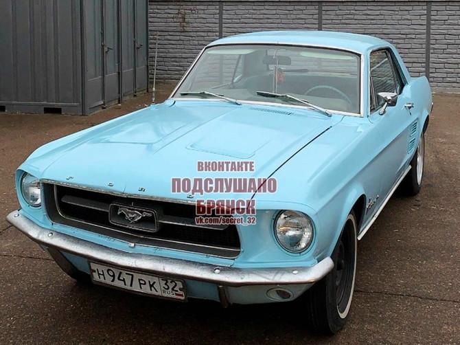 В Брянске на продажу выставили раритетный Ford Mustang