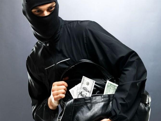 В Почепском районе 20-летний парень попытался ограбить автозаправку