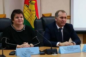 Брянские власти поздравили работников ЖКХ с профессиональным праздником