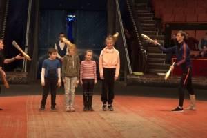 В Брянском цирке для детей провели открытую репетицию