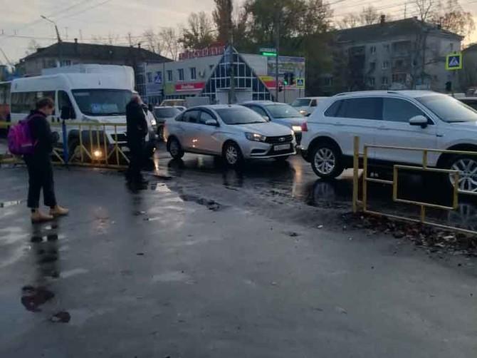 В Брянске огромные пробки поглотили Новый городок