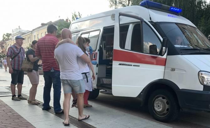 В Брянске упавшую со скейта девочку забрала скорая помощь